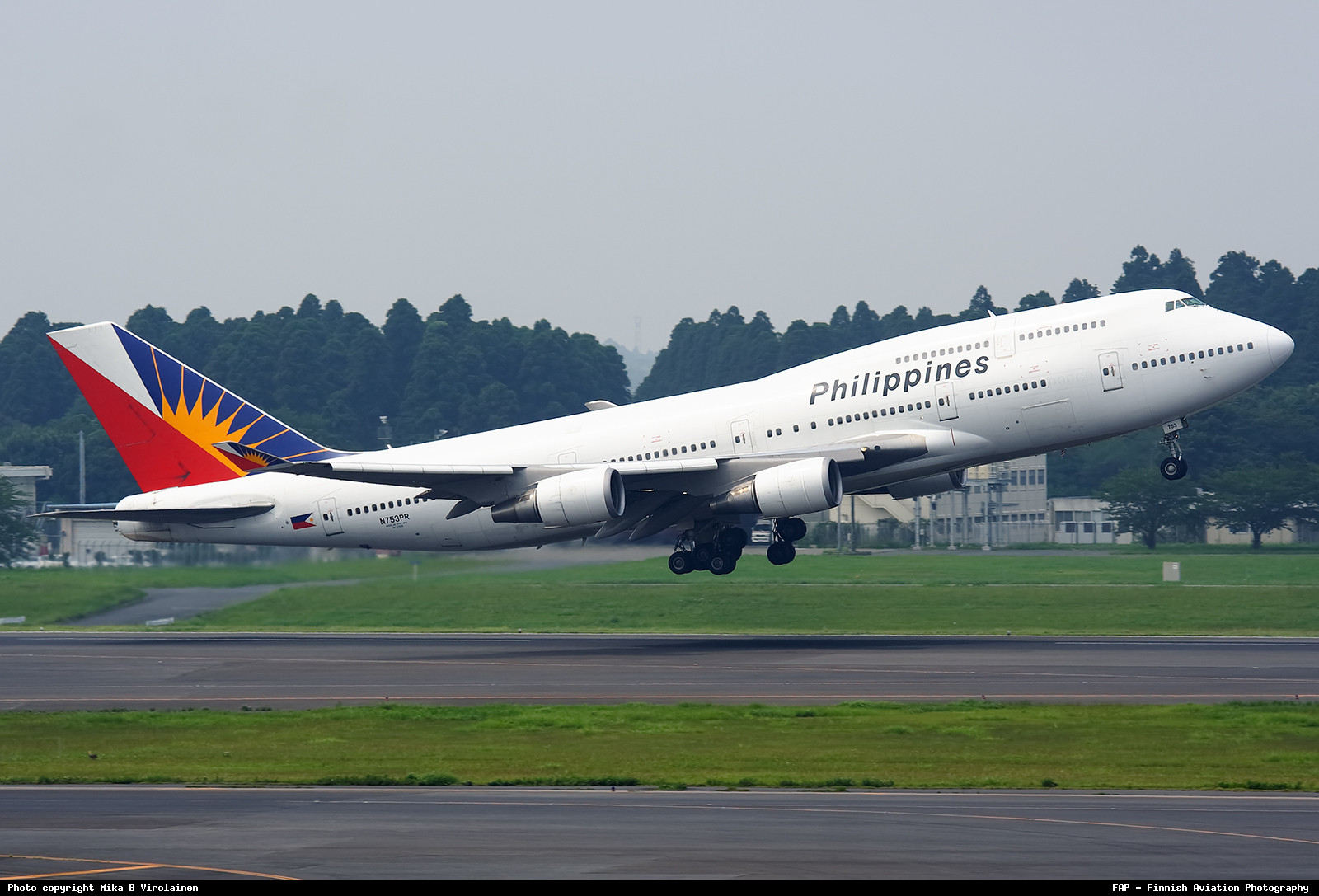 Download this Airline Philippine Airlines Aircraft Boeing Place Tokyo Narita picture